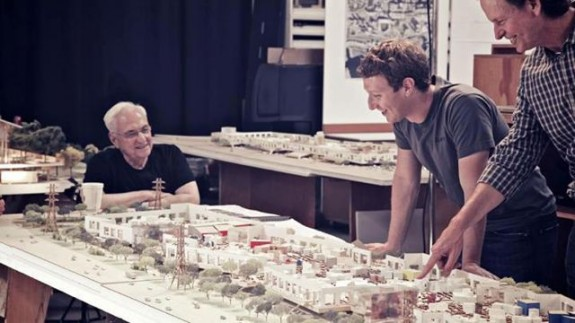 Gehry and Zuckerberg with model