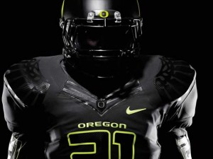 Oregon-Ducks-All-Black-Uniform