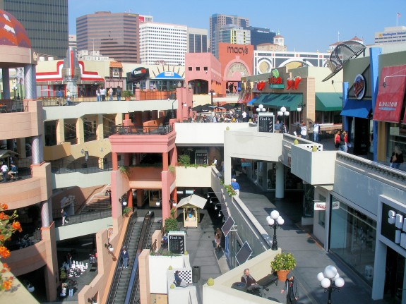 Horton Plaza, photographed by Coolcaesar for wikipedia