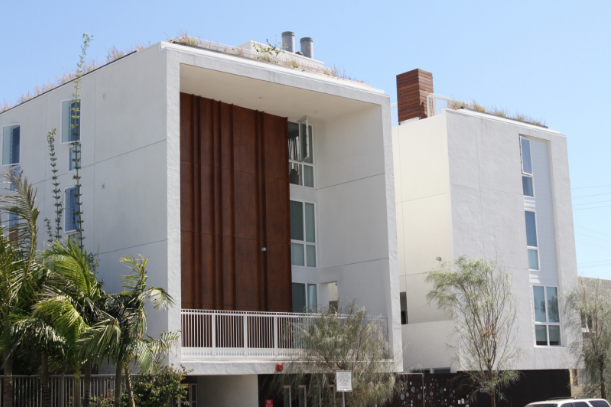 Gateway Apartments, designed by Brooks Scarpa, contains 21 one-bedroom units for formerly-homeless individuals. The project was developed by Hollywood Community Housing Corporation in partnership with Venice Community Housing Corporation.