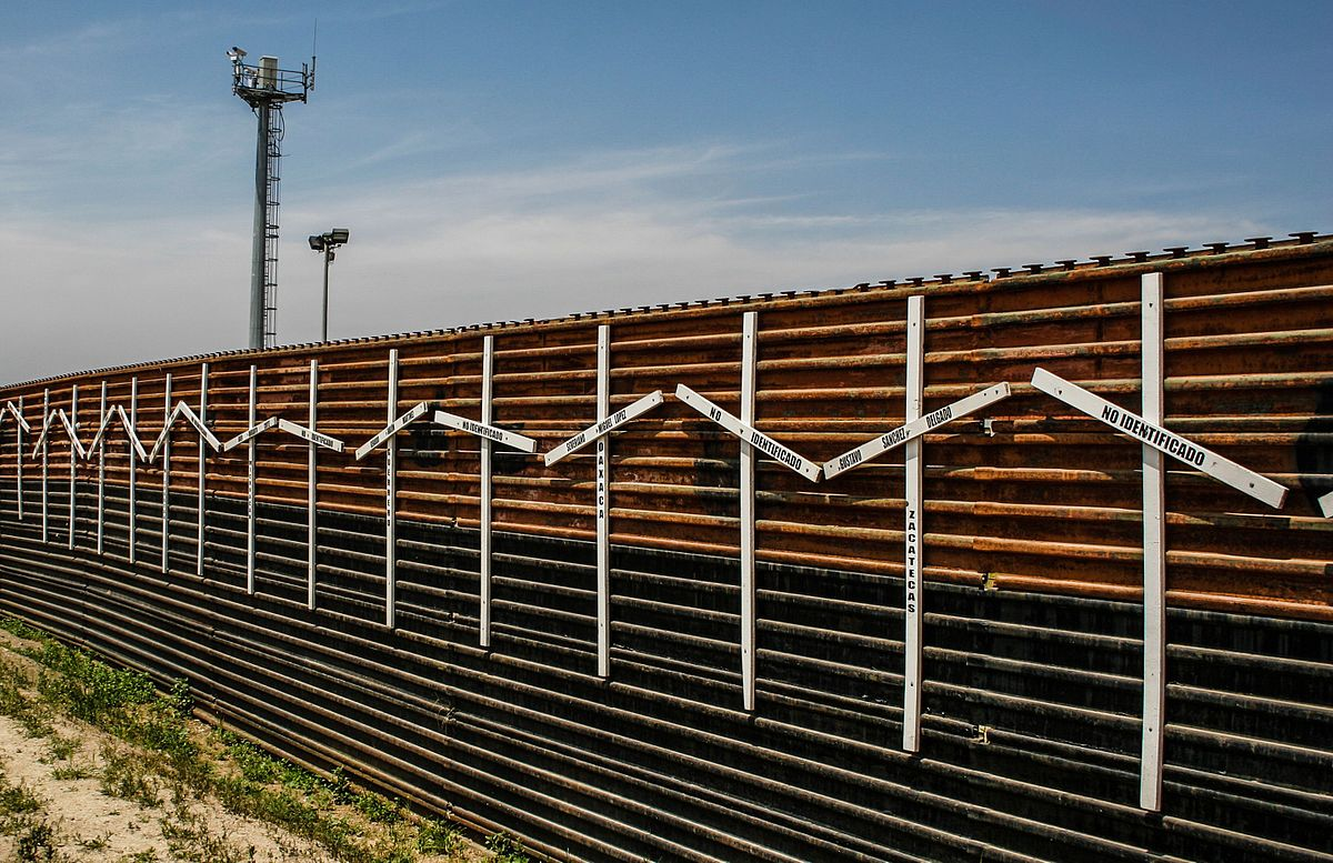 Companies line up to build the border wall design for Border wall