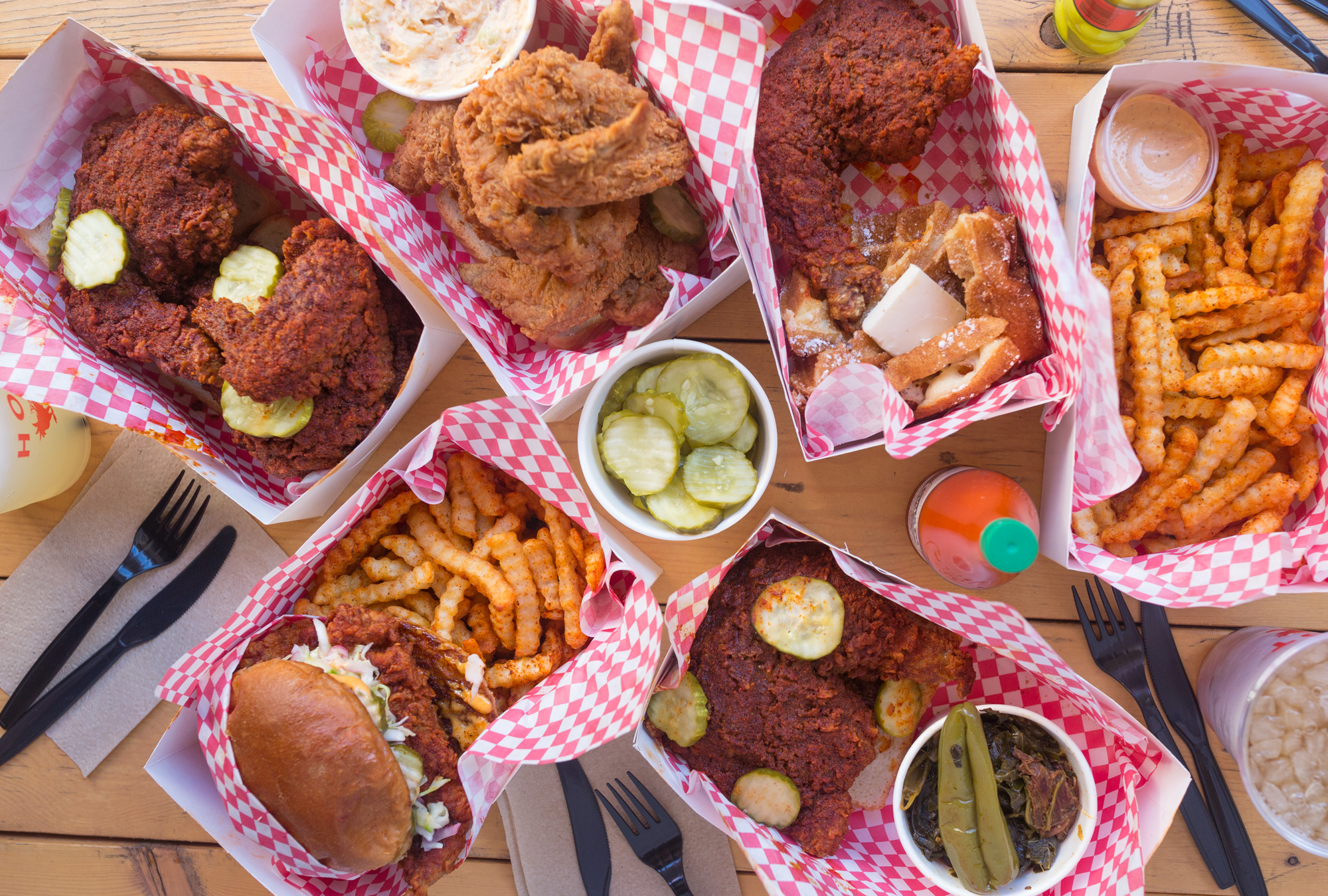 Howlin rays country fried chicken kcrw good food angelenos get your hot chicken fix at howlin rays forumfinder Images