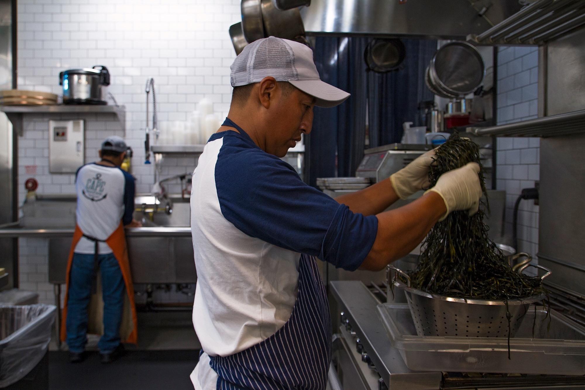 2000-cape-seafood-jose-garcia-jorge-sanchez