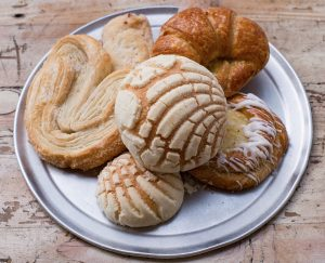 ¡Pasar el café! Nostalgia sparks new twists on pan dulce classics in L.A.