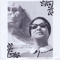 oum-kalthoum-in front of pyramid