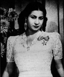young oum kalthoum 1945