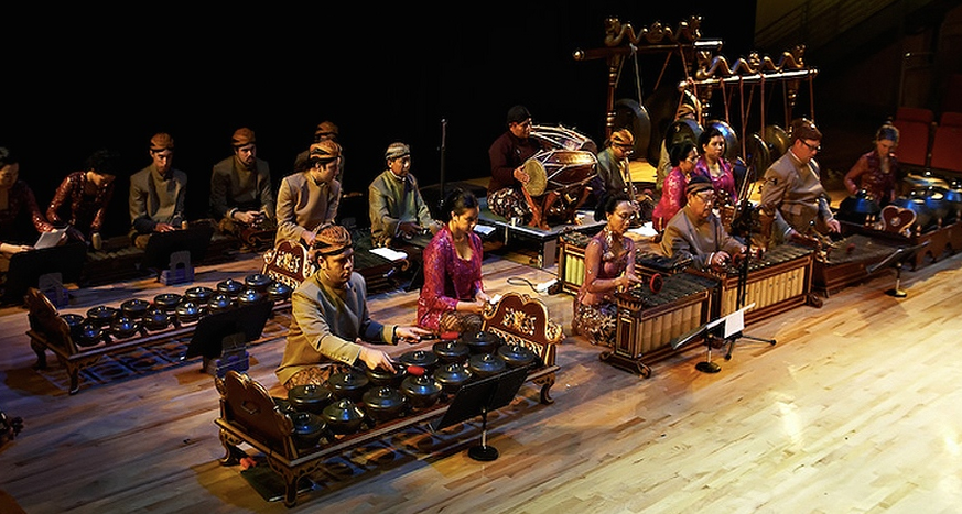 the gamelan ensemble and its music Finding cultural identity in gamelan a lot of villagers started making these kebyar ensembles so this kebyar music is much more representative of everyday.
