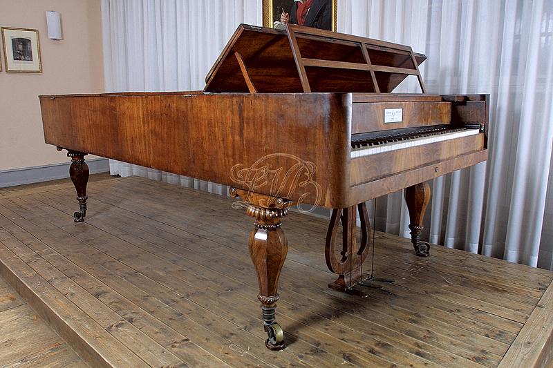 Musikinstrumente: Graf-Flügel