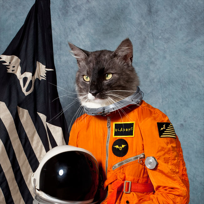 Klaxons-surfing-the-void