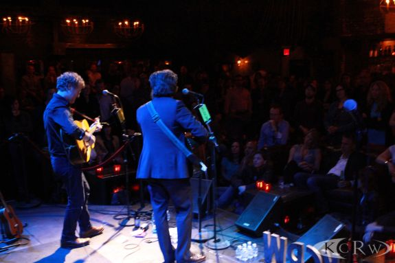 Glen-Hansard-and-Sam-Beam-with crowd at-The-Sayers-Club-by-Jeremiah-Garcia_51 sm