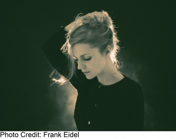 Agnes Obel hi-res press shot 2