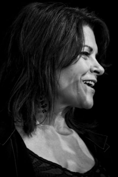 Rosanne Cash by Larry Hirshowitz