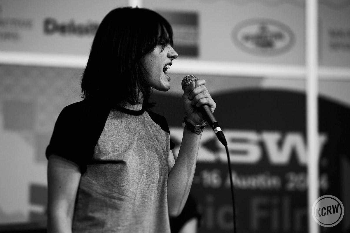 Isabella Manfredi of The Preatures belts it out