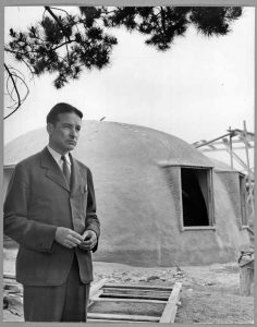 Wallace Neff at an Airform construction site. Courtesy: Huntington Library / No Nails, No Lumber: The Bubble Houses of Wallace Neff by Jeffrey Head. Princeton Architectural Press.