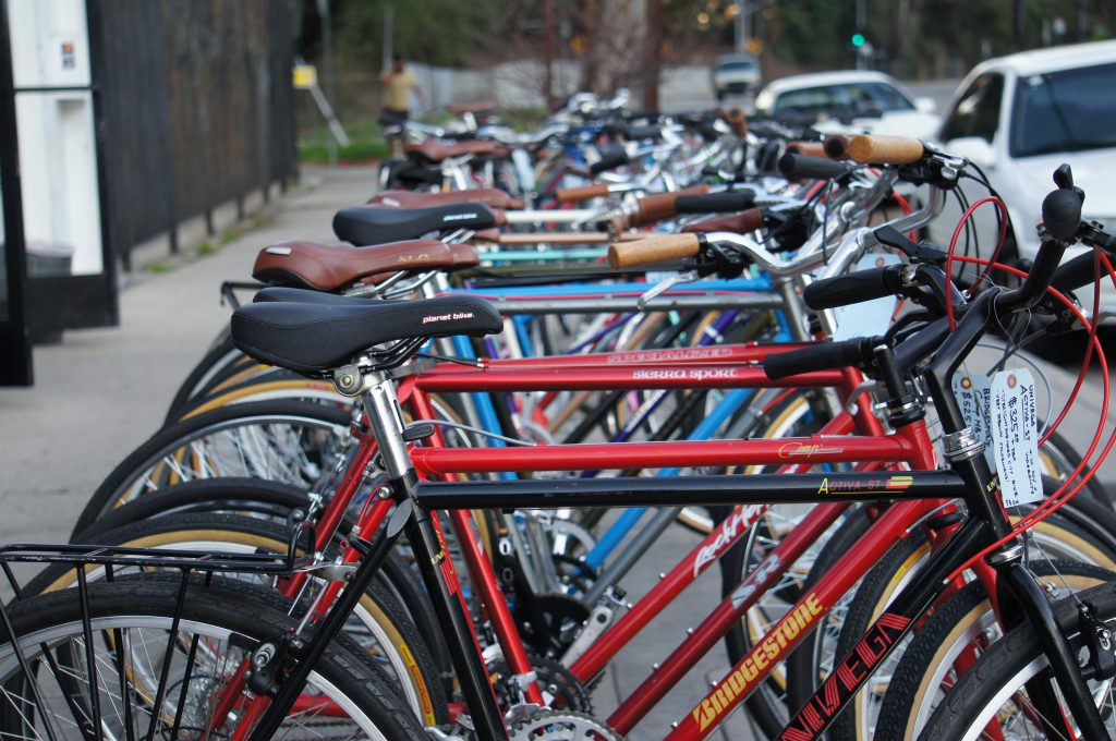 Although more people are cycling in Los Angeles, according to a survey by the League of American Bicyclists, less than one percent of people in L.A. cycle to regulalrly commute. U.S. cities with the largest number of cyclists include Portland, Seattle, San Francisco, Minneapolis and Washington D.C. Studies show more people bicycle as cities improve their cycling infrastructure. (Photo by Saul Gonzalez)