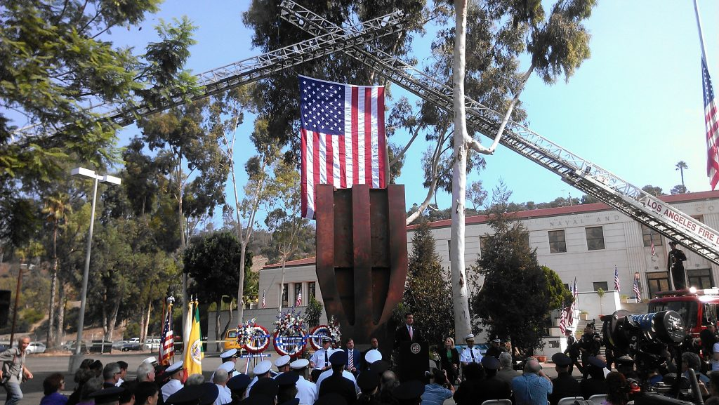 LA Mayor Eric Garcetti thanks US service members at the Los Angeles Fire Department 9/11 Remembrance Ceremony, at the Frank Hotchkin Memorial Training Ceremony. Photo by Avishay Artsy