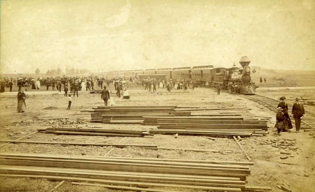 Southern Pacific Railroad entering Santa Monica, 1878. Albumen print by E.G. Morrison. Ernest Marquez Collection, The Huntington Library, Art Collections, and Botanical Gardens.