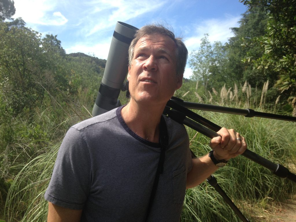 Scott Logan from Wild Wings Backyard Nature, watching birds at Franklin Canyon Park. Photo by Avishay Artsy.