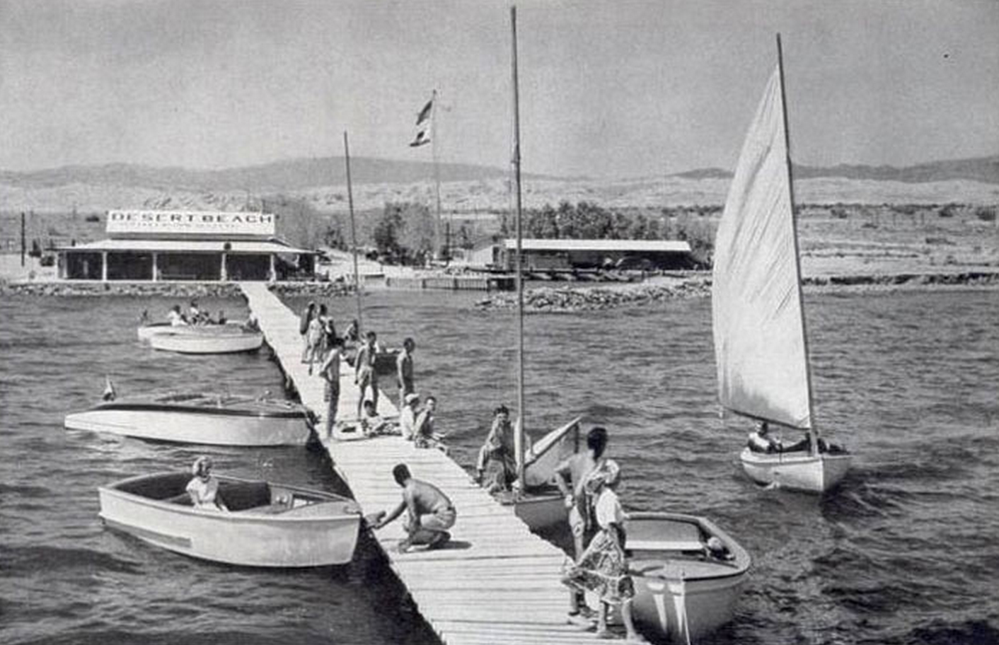Skippers sail trim yachts, not subs, 40 fathoms below the Pacific on California's Salton Sea. (Photo courtesy of the Salton Sea History Museum)