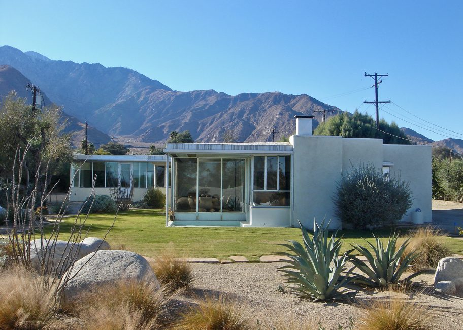 Modernism fans flock to Palm Springs once again