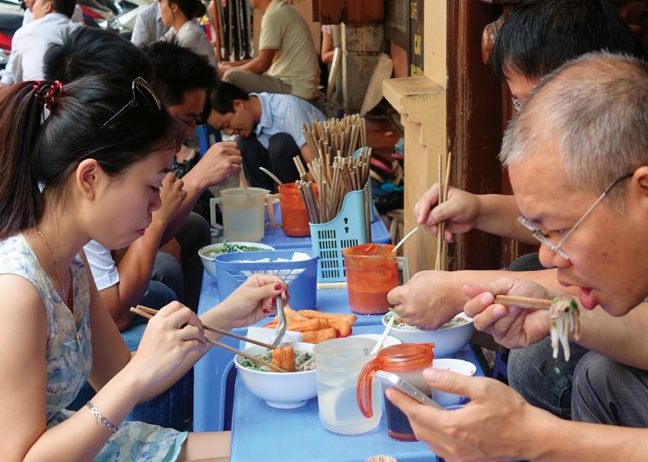This Hanoi-style beef pho needs no saucing